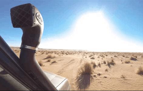 raid 4x4 dans le désert au maroc